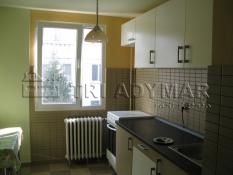 Apartment 3 rooms for sale Drumul Taberei Raul Doamnei