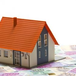 Start for the First House in 2018: less money than in 2017, with minimum chances of extra